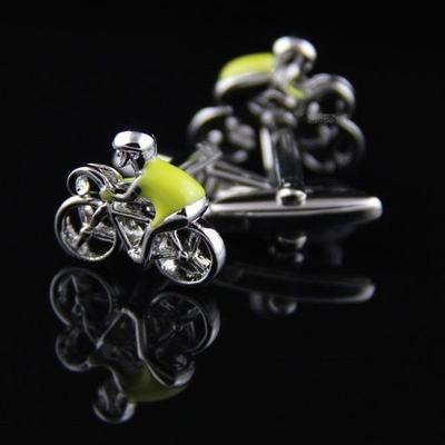 Manžetové knoflíčky cyklista ve žlutém dresu